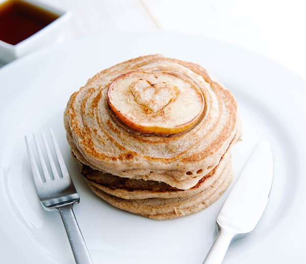 Vegan Apple and Cinnamon Pancakes