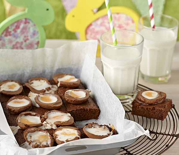 Creme Egg Chocolate Brownies - Cadbury Kitchen